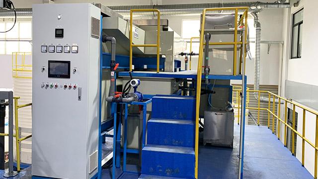 上海曹杨建筑粘合剂水性油漆废水处理设备案例